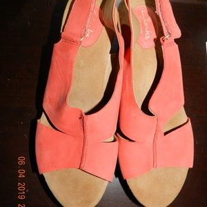 Women's Clarks Bendables Peach/Orange Cork Sandals